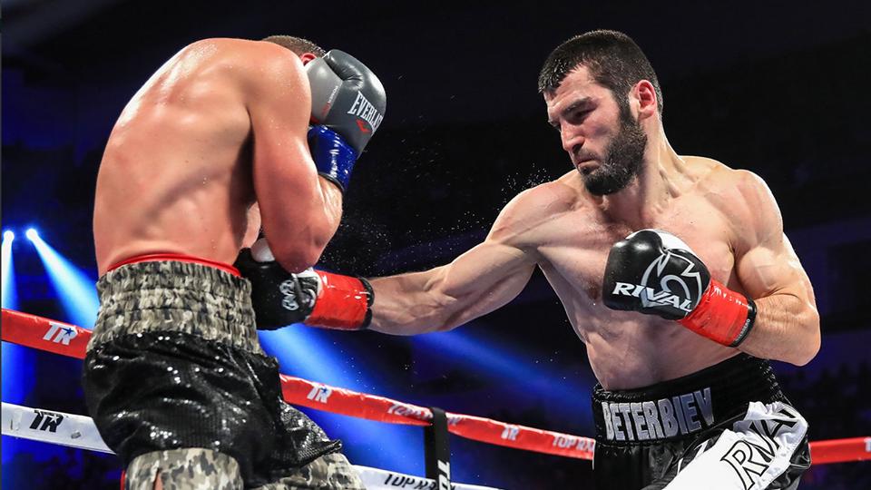 Артур Бетербиев стал чемпионом IBF в полутяжелом весе