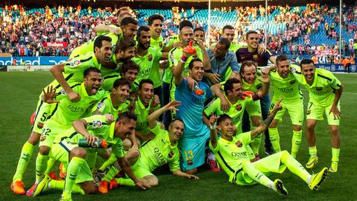 «Барселона» празднует чемпионство