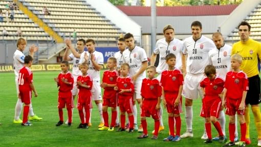 Футболисты «Зари»