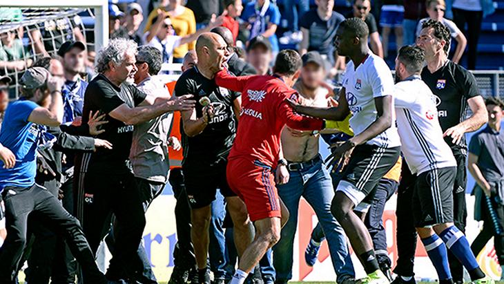 Болельщики «Бастии» напали на футболистов
