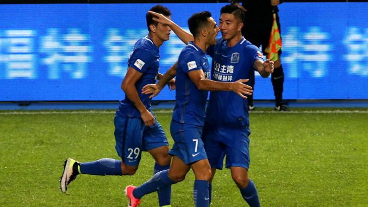 Футболисты «Гуанчжоу Фули»