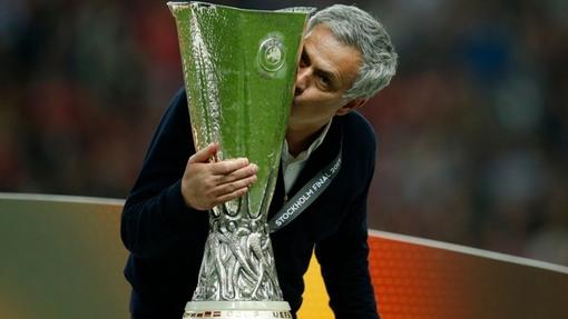 Моуринью спас сезон для «МЮ» победой в Лиге Европы