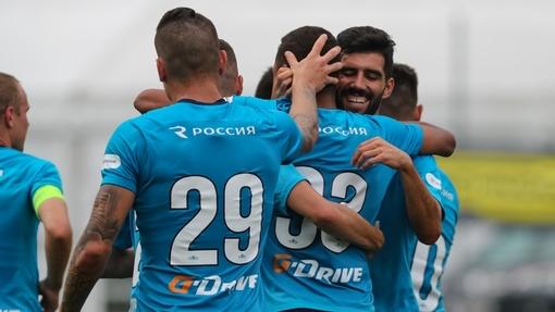 «Зенит» празднует гол в ворота «Динамо»