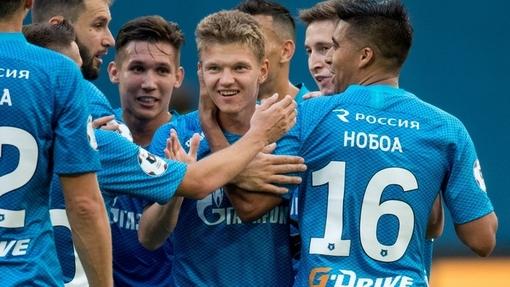Олег Шатов принимает поздравления