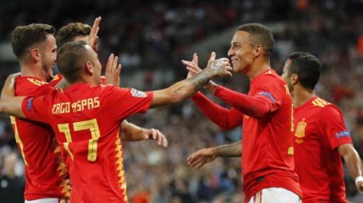 Испания выиграла в дебютном матче Луиса Энрике