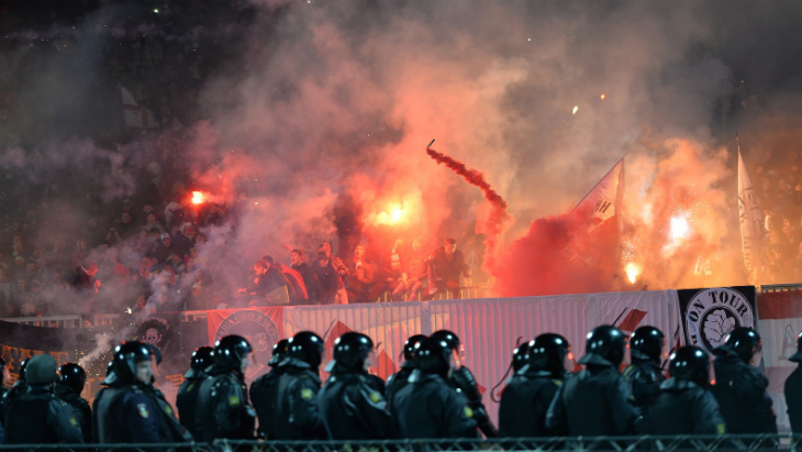 Фанаты «Спартака» на матче с «Шинником»
