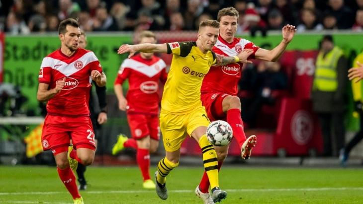 Дортмундцы остались на первом месте в Бундеслиге