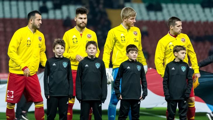 Футболисты вернутся из отпуска 12 января