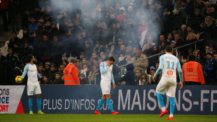 Из-за поведения фанатов «Марсель» могут лишить очков