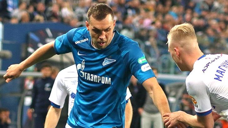 Артем Дзюба в матче с ЦСКА