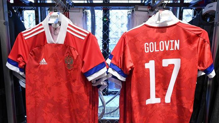 Adidas прокомментировал ситуацию с новой формой сборной России