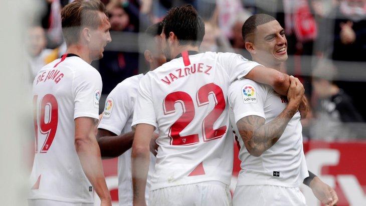 Футболисты «Севильи»