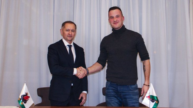 Олег Яровинский подписал контракт с «Рубином»