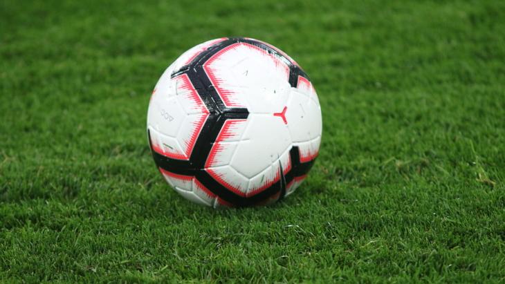 Игроки английских клубов согласились доиграть сезон без зрителей
