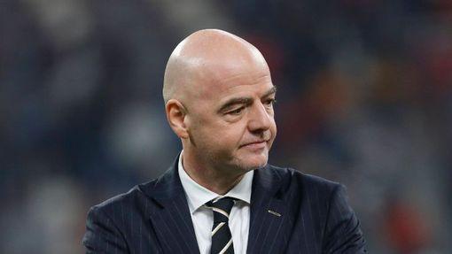Джанни Инфантино должен спасти футбол