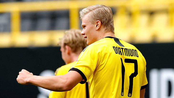 «Боруссия» Дортмунд выиграла при тишине родной арены