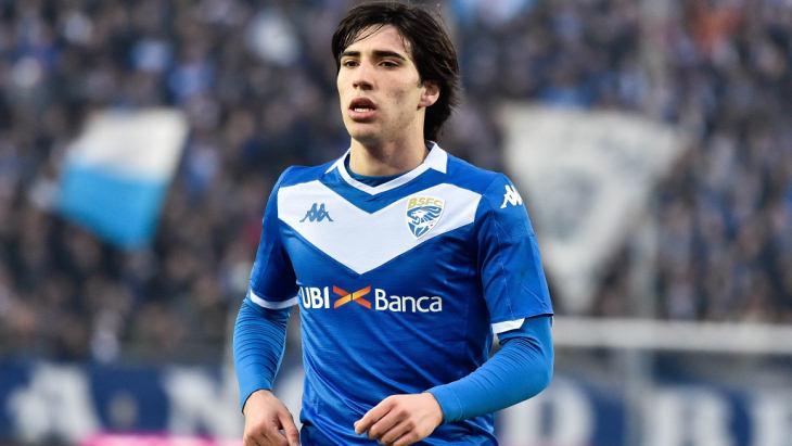 Сандро Тонали