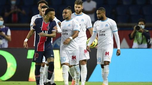 Игроки ПСЖ и «Марселя» получили пять удалений