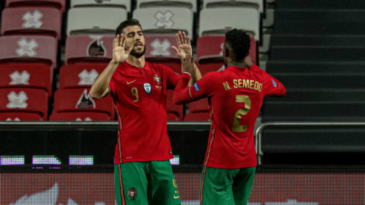 Фрагмент матча Португалия — Андорра
