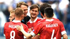 Алексей Миранчук и его партнеры по команде