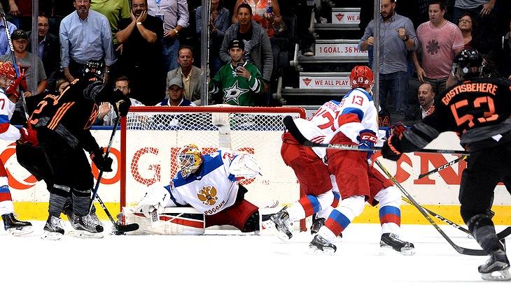 Сергей Бобровский провел очередной выдающийся матч