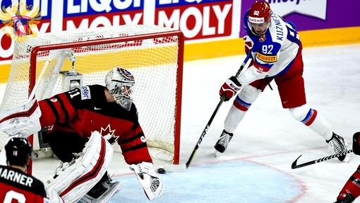 Сборная России не смогла удержать победный счет в матче с Канадой