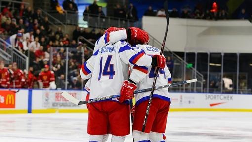 Россияне одержали вторую победу на турнире