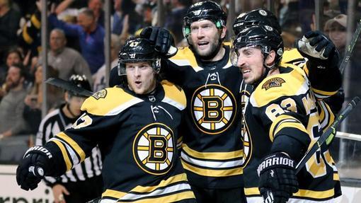 «Бостон» вышел во второй раунд плей-офф