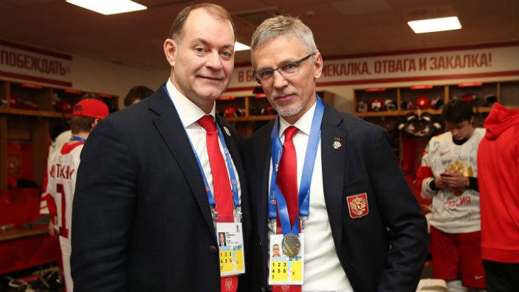 Игорь Ларионов (справа)
