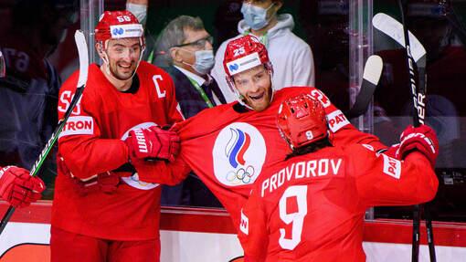 Михаил Григоренко принимает поздравления