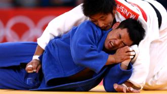 Сон Да Нам (в синем кимоно)