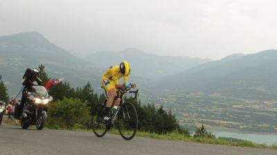 Крис Фрум продолжает побеждать на этапах «Большой Петли»