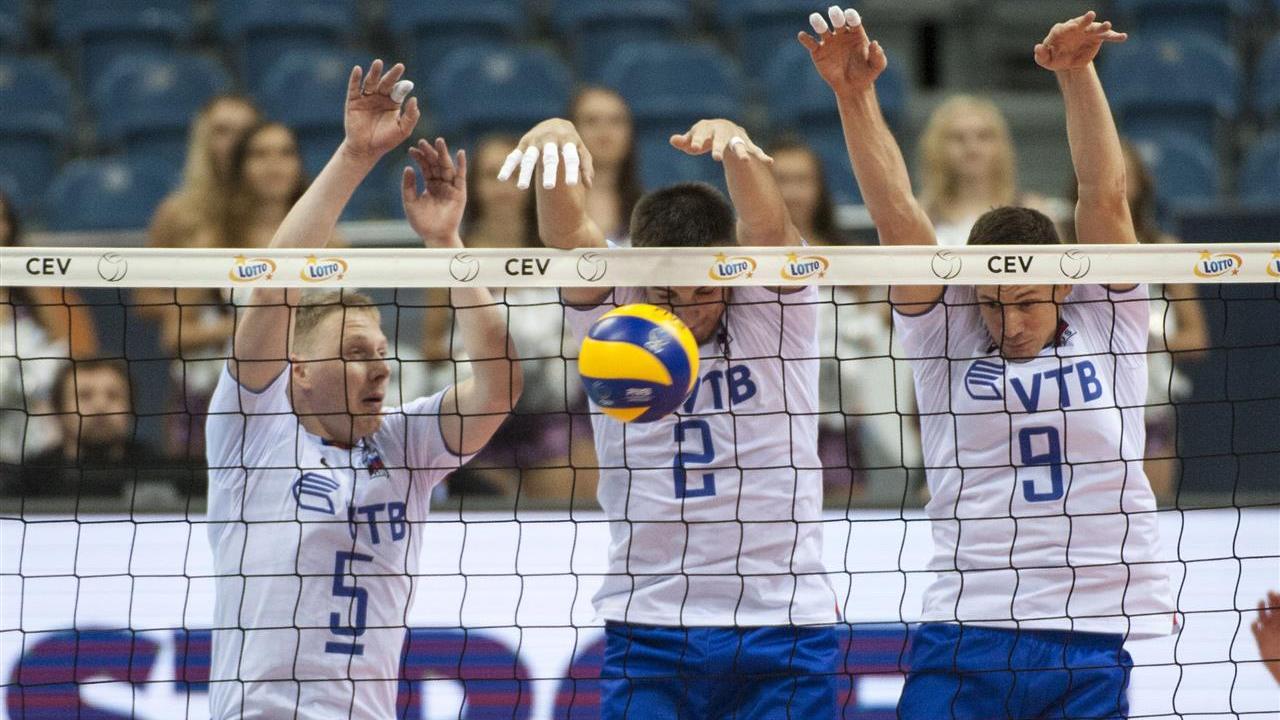 Россияне выиграли все матчи группы