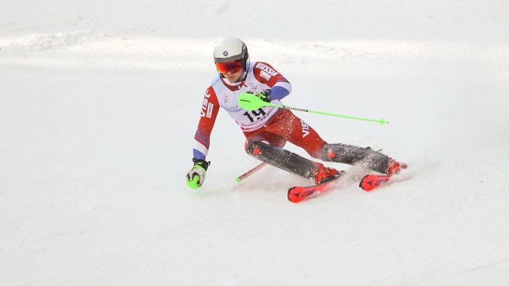 Горнолыжник Ефимов выиграл золотые медали в слаломе на Универсиаде