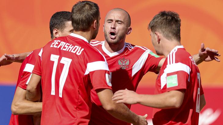 Россия победила Бразилию в 1/4 финала ЧМ по пляжному футболу