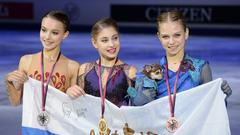Алена Косторная, Анна Щербакова и Александра Трусова