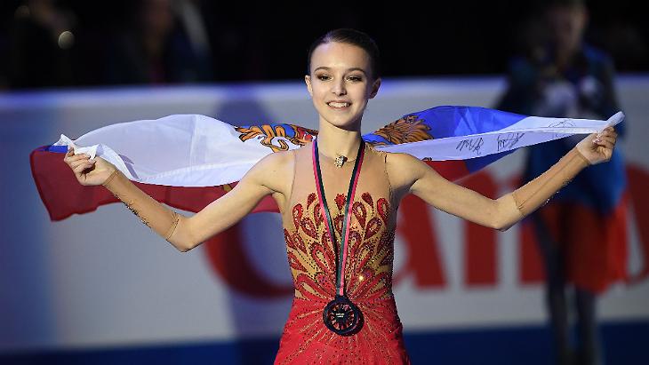 Щербакова стала двукратной чемпионкой России, Косторная — вторая