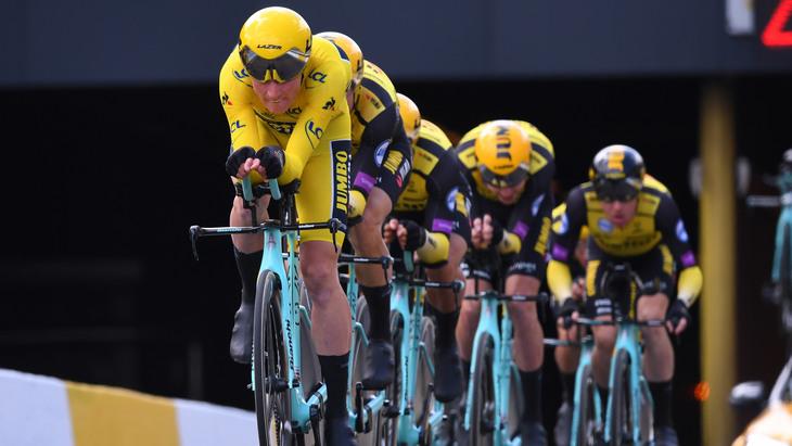 «Тур де Франс» все равно хотят провести летом