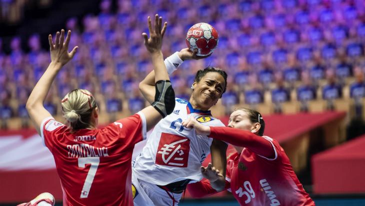 Российские гандболистки сыграли вничью с Францией на чемпионате Европы
