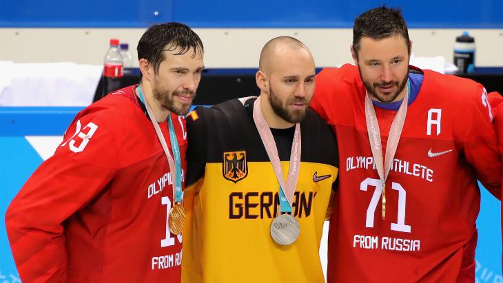 Павел Дацюк (слева)