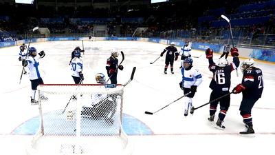 Американки обыграли финок на хоккейном турнире в Сочи