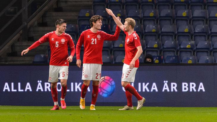 Прогноз и ставки на Дания — Исландия